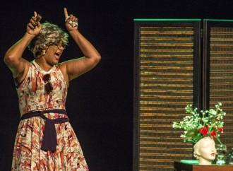 Ingressos para comédia com Solange Couto já se encontram no Teatro Rondon