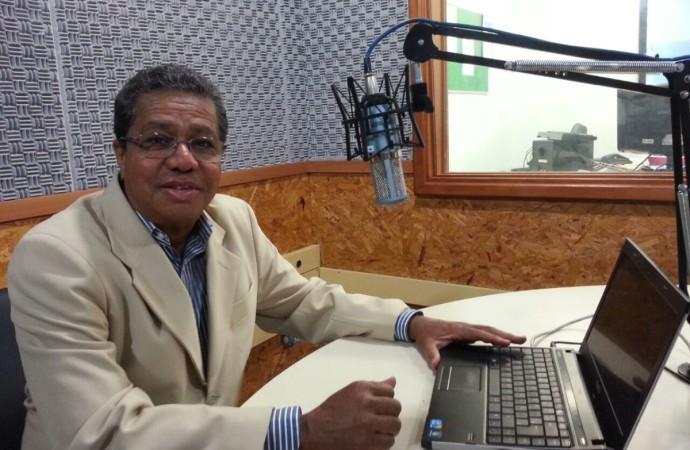 Chamberlain recebe comenda jornalística Moacyr Lopes de Carvalho