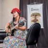 Lançamento do livro As Aventuras de Simon reúne aproximadamente 100 pessoas em Uberlândia