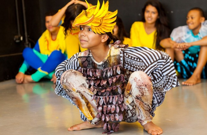 EMCANTAR Social realiza mostra teatral em Uberlândia