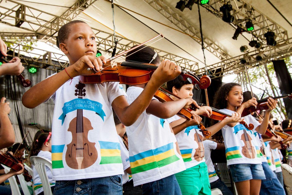 Orquestra Jovem - Foto Douglas Luzz