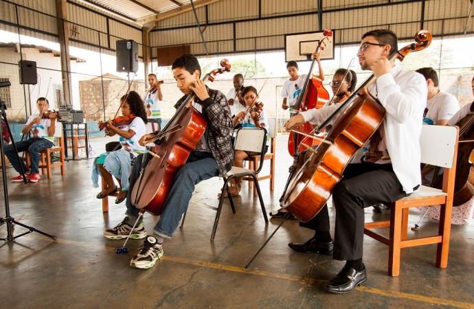Orquestra Jovem de Uberlândia realiza Palestras e Concerto Didático gratuitos nos dias 11 e 12/09