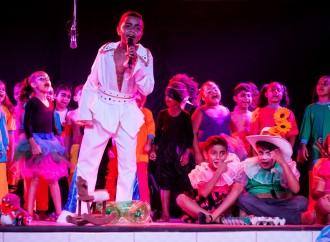 'Curupira' celebra fim de ano com apresentação no Educandário Lar da Criança em Araguari